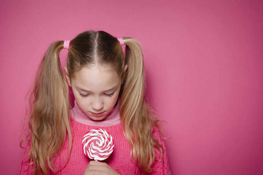 Hogyan tanítsd meg a gyereknek, hogy ne álljon szóba idegenekkel? 6 fontos dolog, amire szülőként figyelj