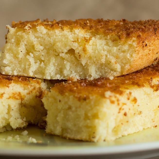 Elronthatatlan joghurtos sütemény: búzadara gazdagítja a puha tésztát