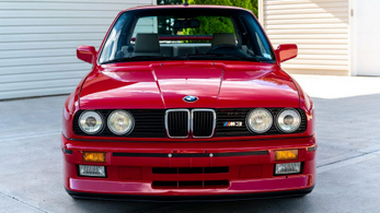 75 millió forintért kelt el ez a 32 éves BMW