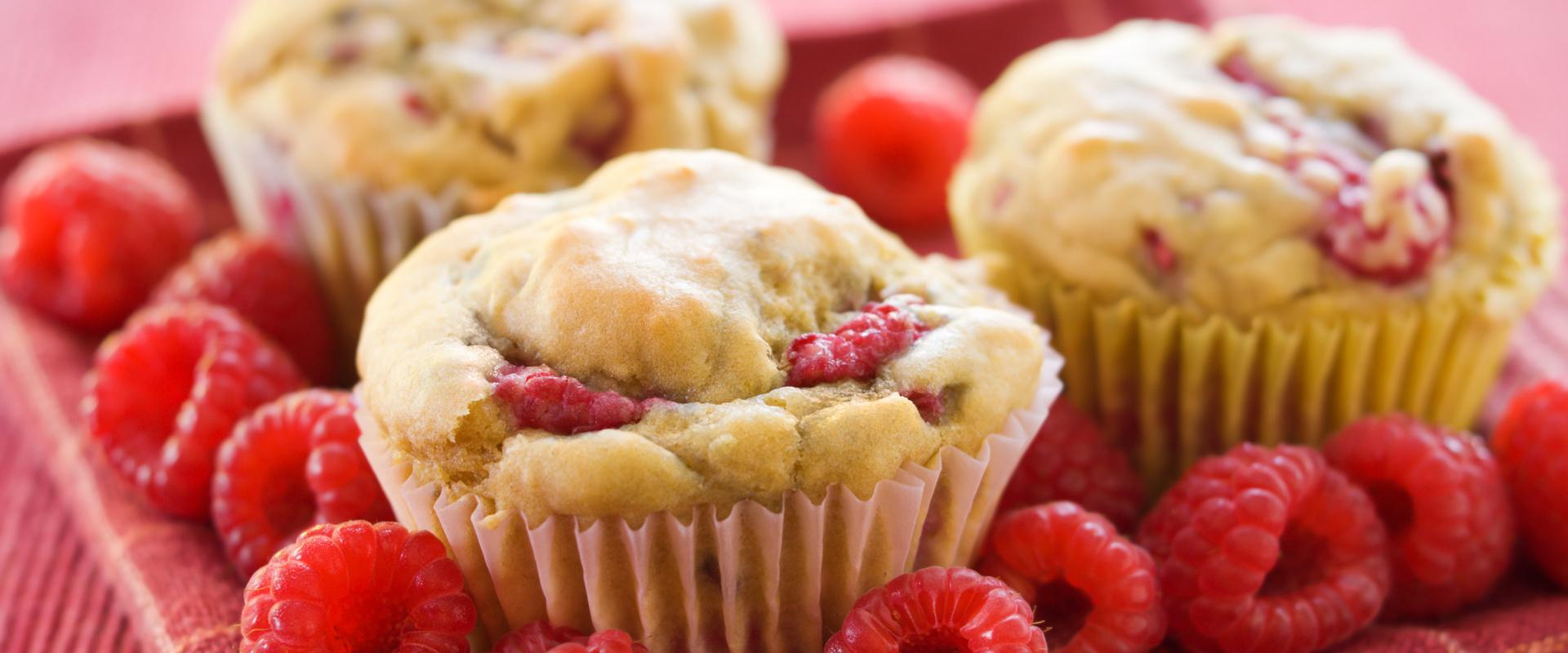 joghurtos málnás muffin cover