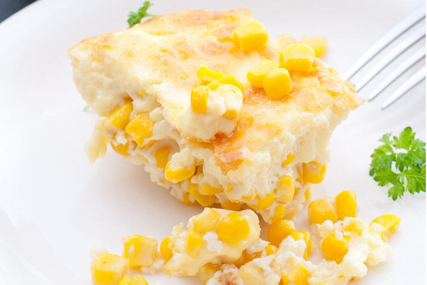 Abbahagyhatatlanul finom, krémes, fűszeres kukoricagratin – Ha unod a krumplis köreteket