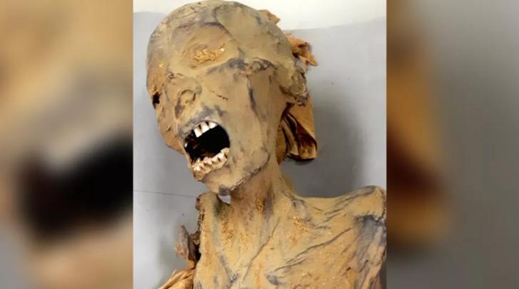 A sikító múmia