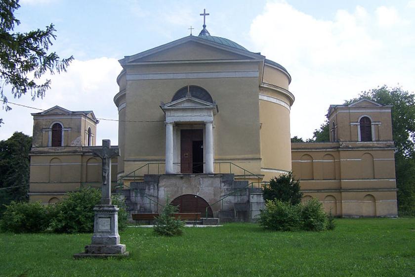 800px-R. k. templom (9873. számú műemlék)