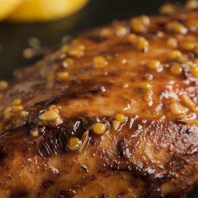 Mézes-mustáros öntetben pirult csirkemell - Így lesz a legkrémesebb a szósz