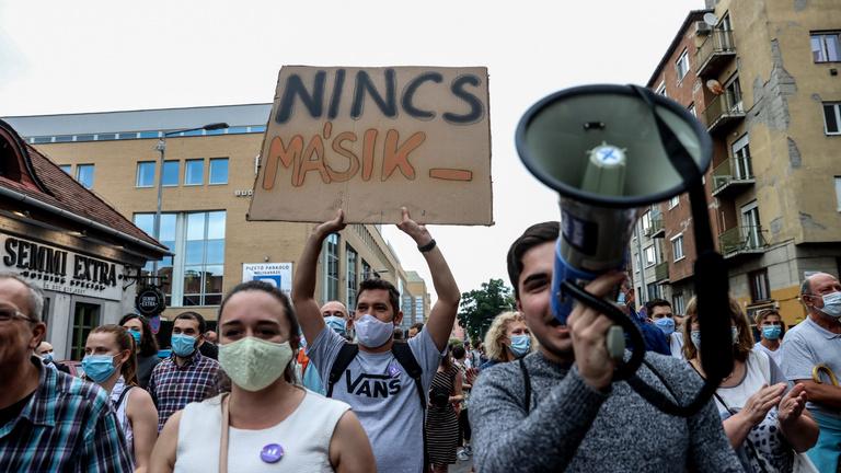 Az Indexért tüntettek, a tömeg vastapssal köszönte meg a szerkesztőség munkáját