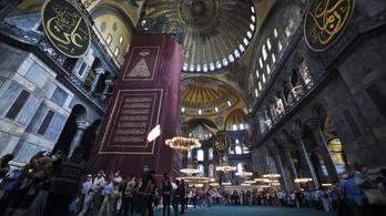 Így néz ki a mecsetté alakított Hagia Sophia
