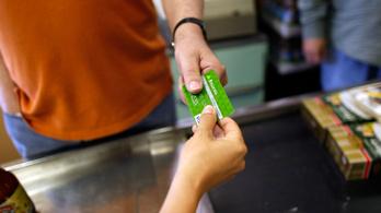 Januártól akár egy forintot is fizethetünk bankkártyával