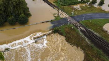 Korlátozások a közlekedésben a vihar miatt