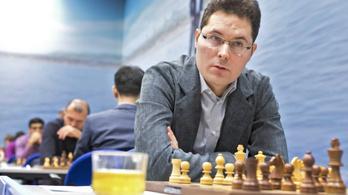 Lékó Péter legyőzte a korábbi sakkvilágbajnokot egy online tornán