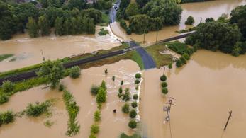 Háromszáz embert kellett kitelepíteni Zalában a vihar miatt
