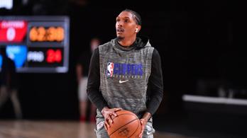Két hét karantén várhat a sztriptízbárban szórakozó NBA-kosarasra