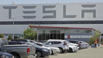 A járvány ellenére nyereséges volt a Tesla a második negyedévben