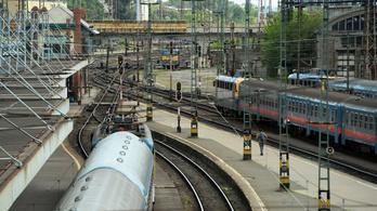 Akár 120 perces késések is lehetnek a Budapest-Cegléd-Szolnok vasútvonalon