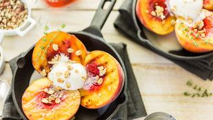 Grillezett nektarin mentahabbal – pofonegyszerű és könnyű desszert nyárra