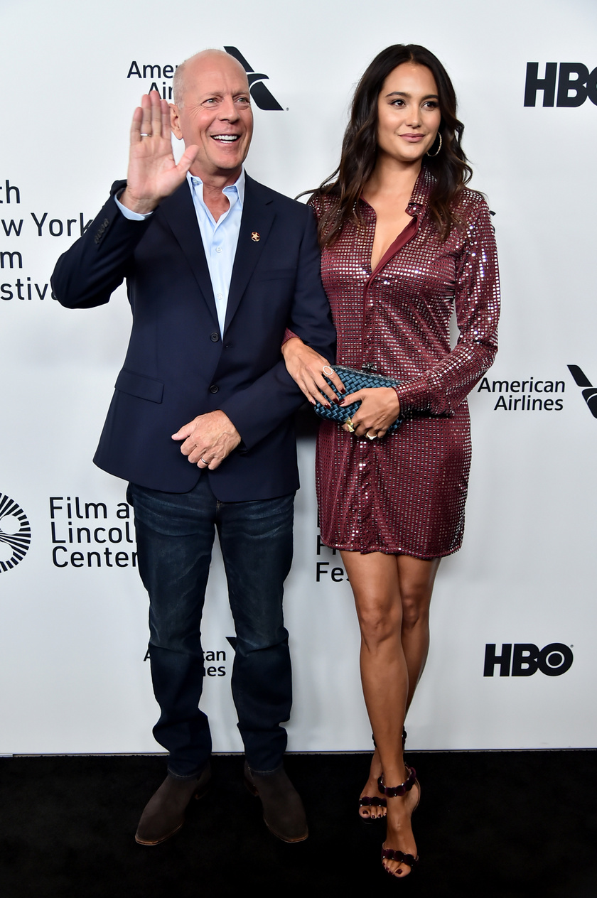 Bruce Willis és Emma Heming minden vörös szőnyeges eseményen remekül festenek együtt.