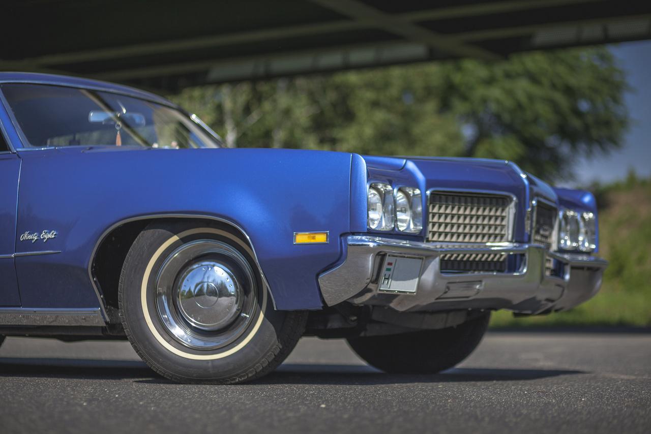 A csökkenő eladások miatt a kétezres évek elején a General Motors megszüntette a márkát. Az utolsó új modellje az Oldsmobile-nak a Bravada volt, melynek a gyártása 2004 februárjában állt le, de a platform még 2009-ig húzta, többek között a SAAB 9-7X alatt.