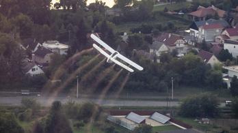 Az NNK ideiglenesen engedélyezte a légi kémiai szúnyogirtást