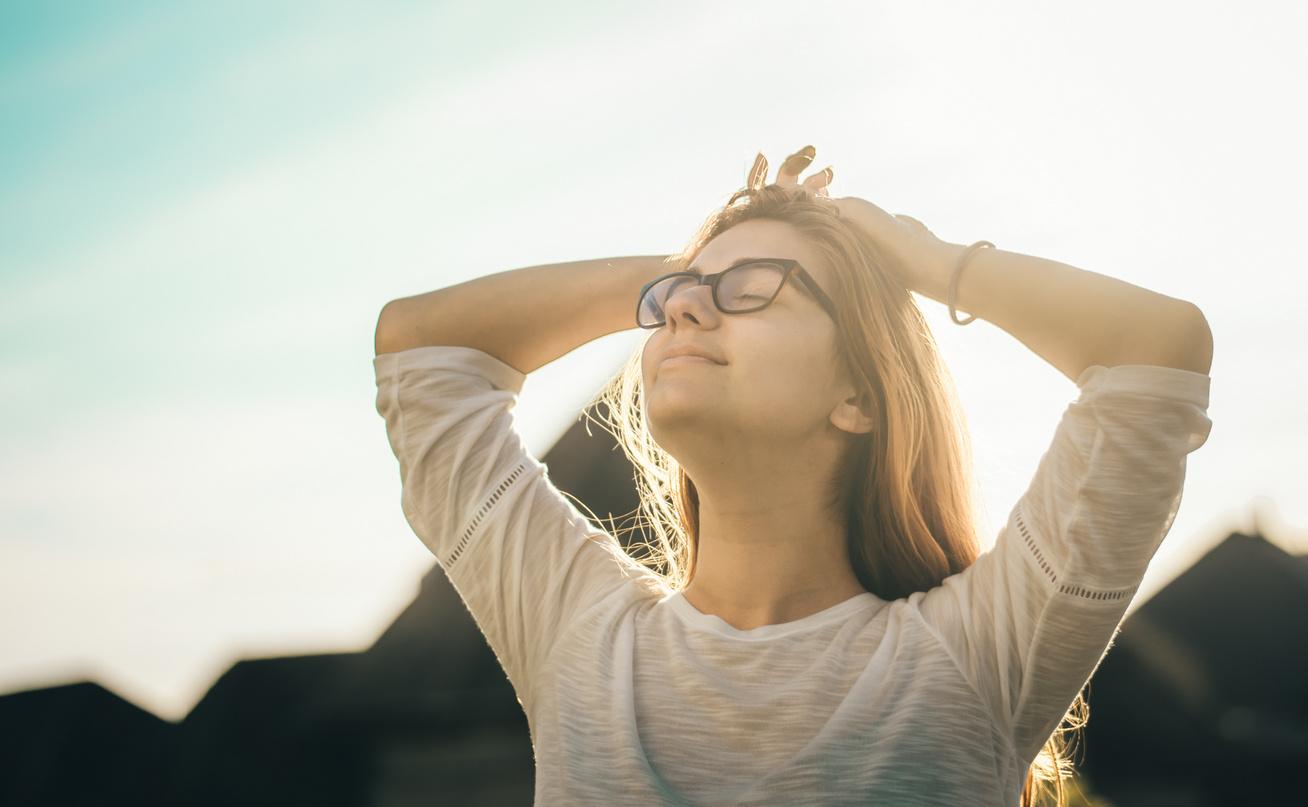 nő elégedett egészséges boldog (2)