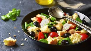 Csirkés panzanella – ennél mutass finomabb és egyszerűbb nyári vacsorát!