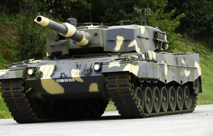 A honvédség egyik új Leopard 2 A4-ese