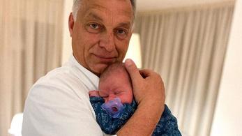 Orbán Viktor a legfiatalabb unokájával fotózkodott