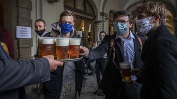 Cseh söripar: se kocsma, se fesztivál, se kánikula, se futball-Eb