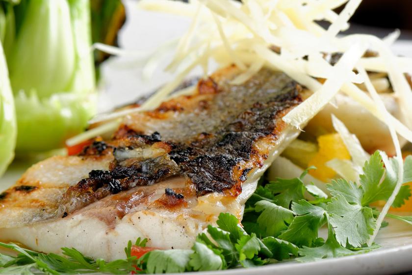 Dobd fel a hétköznapi menüt, készíts citrusos-csípős tengeri sügért! (x)