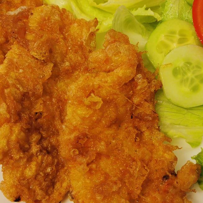 Ha unod a rántott húst: tojásos bundában sült, omlós, ízletes csirkemell