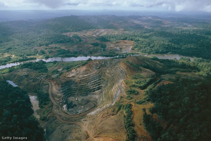 Légi felvétel a Serra do Navio-i bányáról, Amapa államban