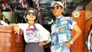 Mosodájukban talált, budapestes pólóval divatozik egy 80 feletti, tajvani pár
