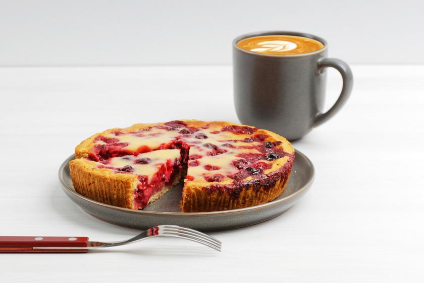 Mennyei pudingos, meggyes süti linzertésztából: egyszerűen nem tudod megunni