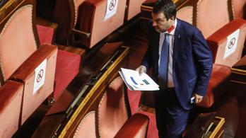Megvonták Matteo Salvini mentelmi jogát