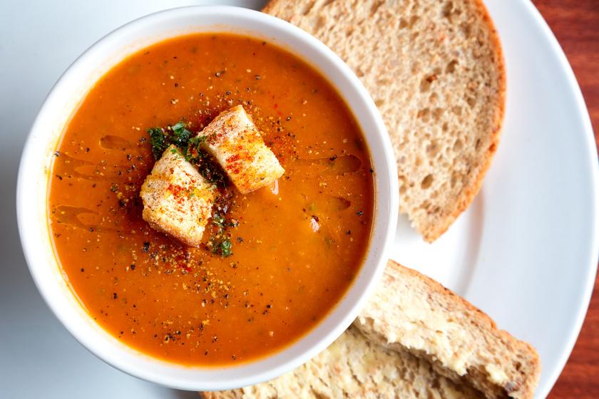 Selymes, zamatos paprikakrémleves: sült zöldségből a legfinomabb