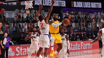 LeBron James győztes kosarával tért vissza az NBA