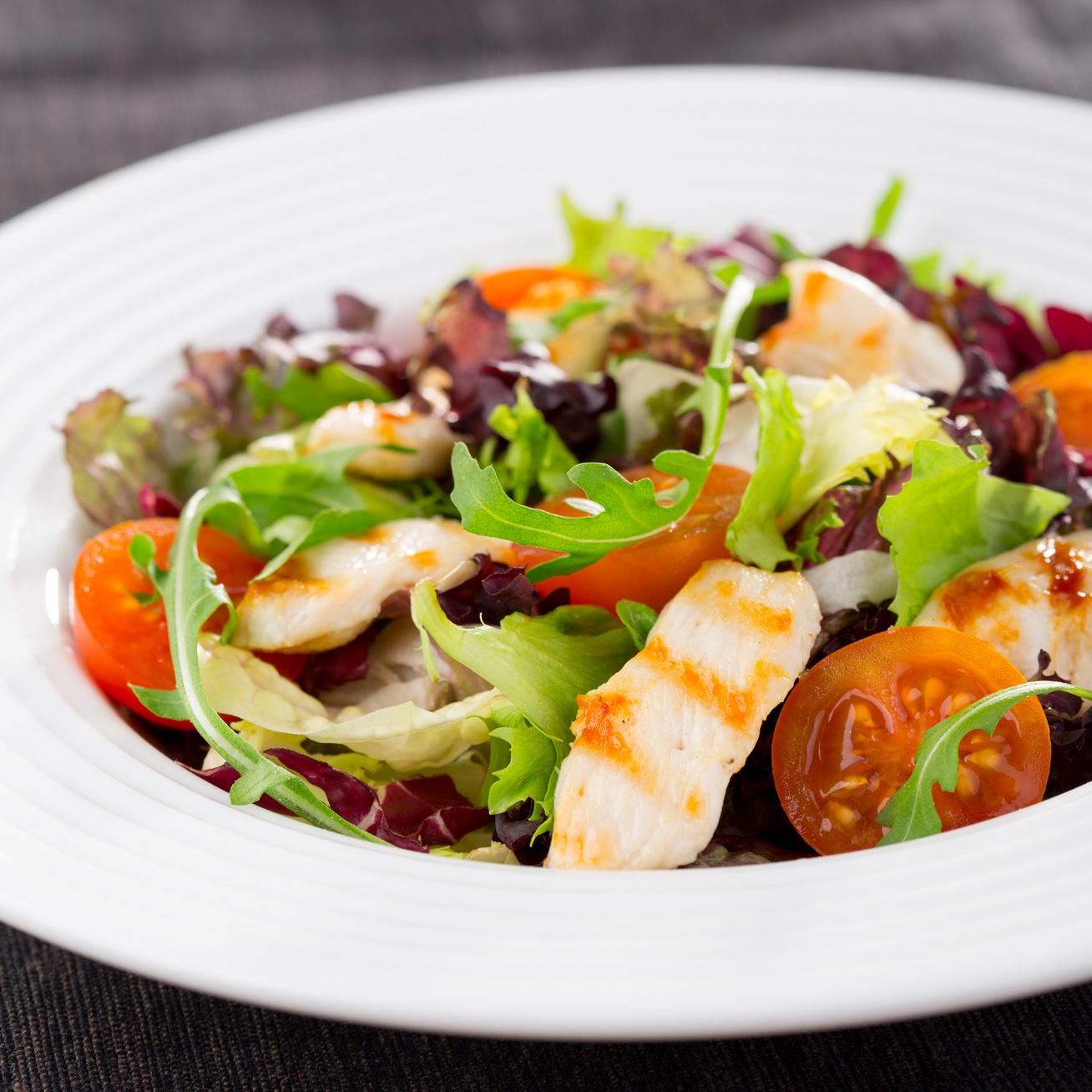 csirkes-salata