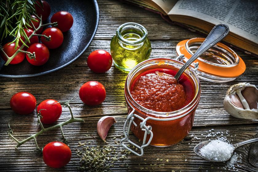 Egyszerű, házi paradicsomszósz: tésztákra, húsokhoz is jól jön