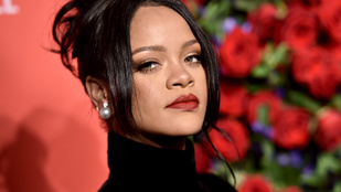 Rihanna páros lábbal rúgta ki az egyik modelljét, aki bántalmazó kapcsolatokkal viccelt