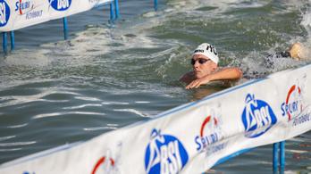 Másfél perccel javította meg a Balaton-átúszás rekordját Rasovszky Kristóf