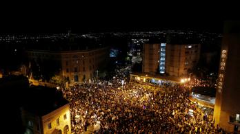 Rekordtömeg vonult az utcákra Izraelben Netanjáhu ellen