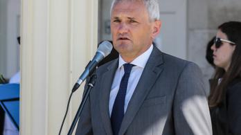Szigliget lemondott polgármestere: Bizonyos vállalkozókkal szemben védtelenek vagyunk