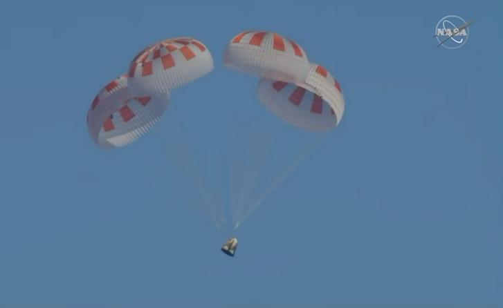 Az űrkapszula landolása.