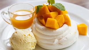 Mangós-ananászos Pavlova – friss mentával tálald!