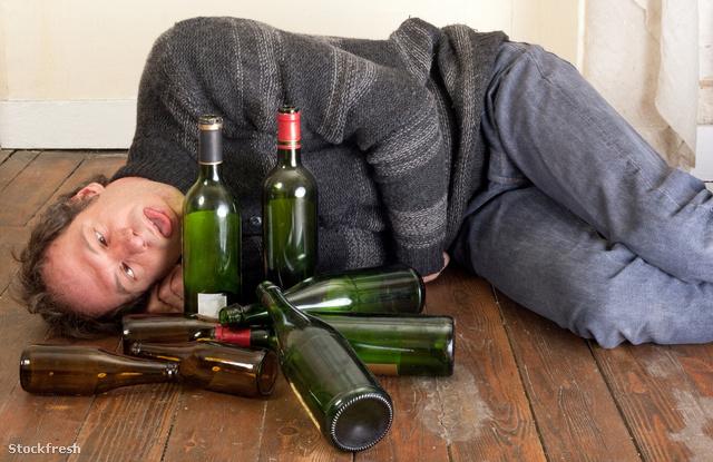 stockfresh 1691399 sad-and-drunk-man sizeM