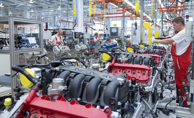 Így készülnek a V8-as motorok