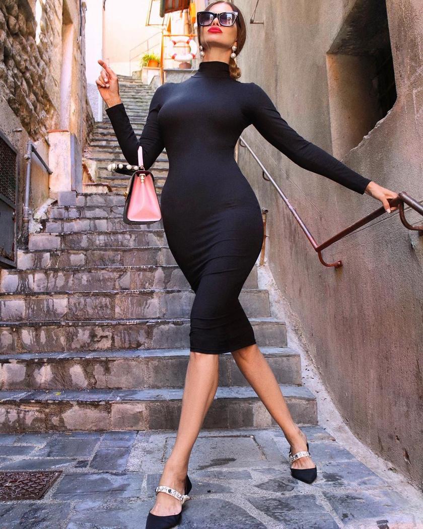 A szerb influencer, Zaklina Pisano külsejét látva szinte hihetetlennek tűnik a valódi kora. A nő ugyanis már 51 éves, ráadásul két unokája is van.