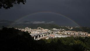 Új hidat avattak Genova felett, az összeomlott viadukt helyén