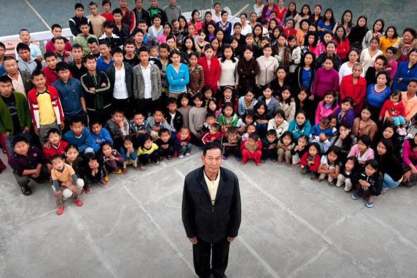 Íme, a világ legnagyobb családja: a 75 éves férfinak 39 felesége és 94 gyermeke van