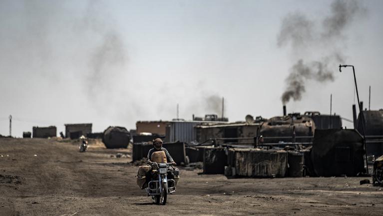Amerikai cég jelent meg a Trump által megvédett szíriai olajmezőn. Ugyan mi baj lehet?