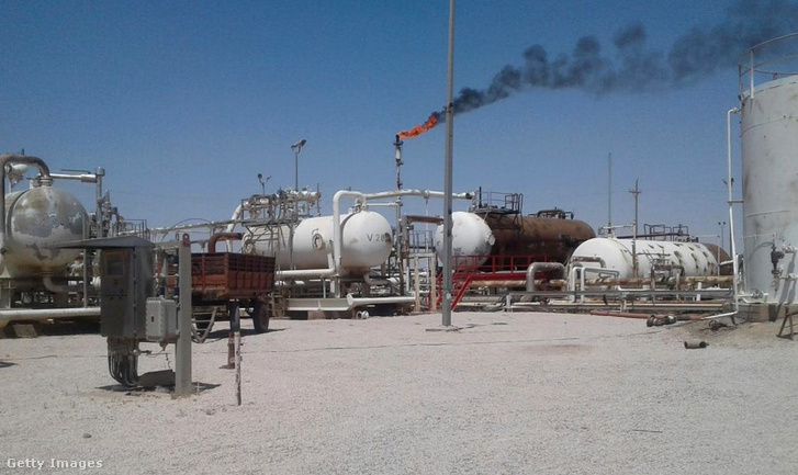 Az Al Omar olajmező Deir ez-Zór térségben, 2018. július 19-én.