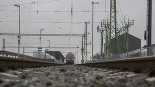 Megrongálta a vasúti menetrendet a vihar